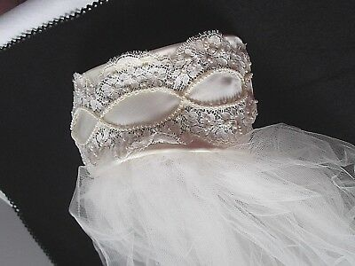 vtg Bridal veil pearl beaded lace ivory head band elbow length layered tulle
