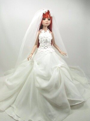 Outfit Dress Wedding Gown with veils Tonner Tyler Essential Ellowyne # 800-10