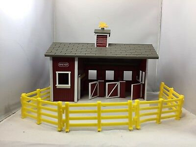 BREYER Red Horse Barn And Fence Stablemates