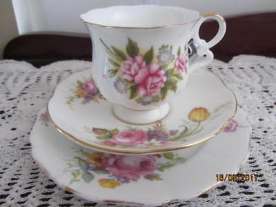 Mixed Vintage - ''floral''  - Cup / Saucer / Plate Trio