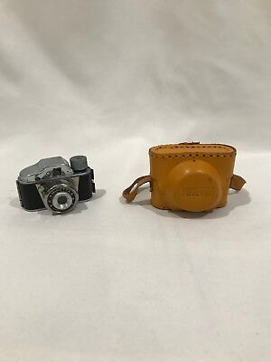 Vintage Miniature Minetta Spy Camera With Case in good condition