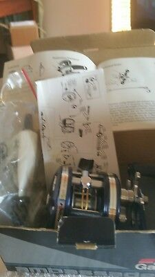 ABU  4600 C4 REEL NEW has CARBON DRAG HIGH SPEED. With box spares papers