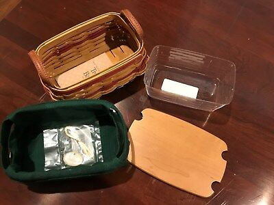 Small 2002 Treats Longaberger basket w/ lid, protector, over the edge liner
