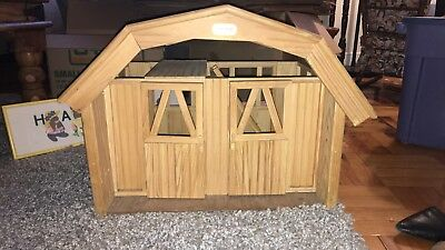 Breyer Wooden Two Stall Barn, Removable Roof Ladder