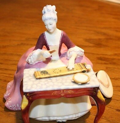 "Royal Doulton ""Dulcimer"" MINT"