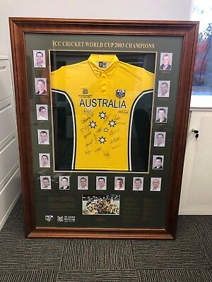 SIGNED CRICKET MEMORABILIA - ICC Cricket World Cup Champions 2003: Signed Frame