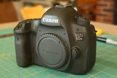 Canon EOS 5DS 50.6mp Body Only + Charger & Battery, Low shutter count! - 7638