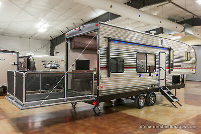 New 2018 Limited Edition 255RR Lite 5th Fifth Wheel Toy Hauler Deck Never Used