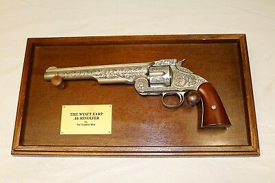 Wyatt Earp .44 Revolver Replica Gun Wood Frame The Franklin Mint Collectible