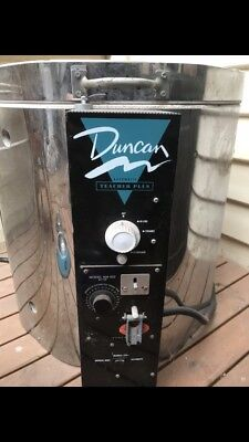 Electric Duncan Teachers Plus Kiln With Ceramic Slip Moulds And Accessories