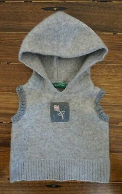 United colours of benetton girl's hooded vest, size 0, 6-12 months.