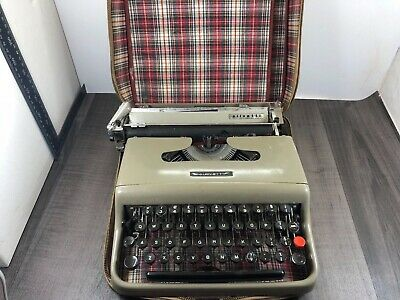 Authentic Vintage Olivetti Lettera 22 Portable Typewriter Restoration Project