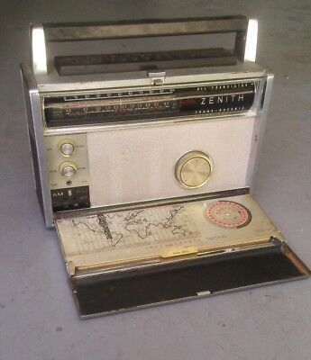 Vintage 1963 Zenith Trans-Oceanic Royal 3000-1 Multi Band Radio Wave Magnet Nice