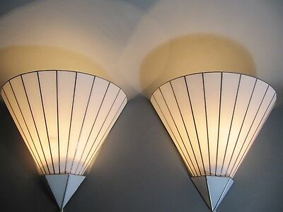 Wandlampen Paar - pair of wall lamps - weißes Glas - white glass