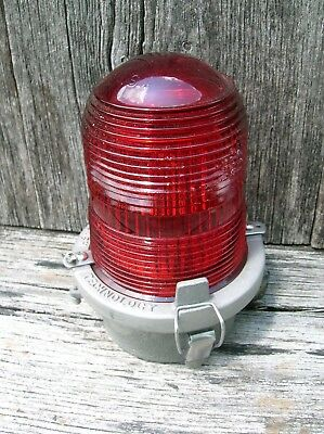 Vintage Flash Aluminum with Red Lens Radio Tower Beacon Warning Light