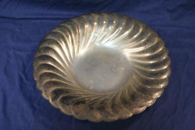 """Wm Rogers Waverly 3836 Round Fluted Tray 13"""""""