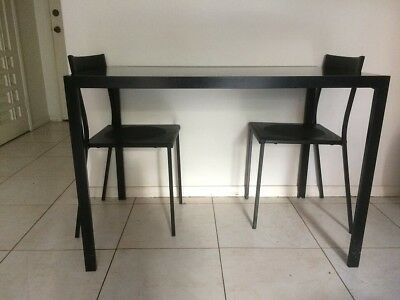 Dining table with 2 chairs in black