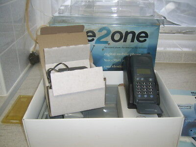 Mercury one2one mobile Vintage M301 complete with chager and box