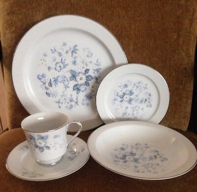 New Celebrity Fine China 5 Piece Place Setting Danbury Pattern #6193