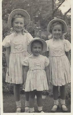 Three Sweet Little Sisters In The Garden - Matching Dresses & Bonnets Vintage Pc