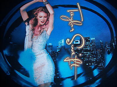 2011 official TAYLOR SWIFT t shirt - SPEAK NOW WORLD TOUR - looks UNUSED - (S)