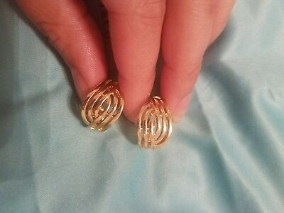 VINTAGE Bright Gold Tone HMN CLIP ON EARRINGS Woven Celtic Knot ROUND STUD