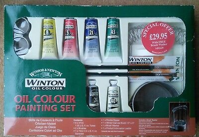 Brand New Winsor & Newton oil colour painting set with Accessories Brushes