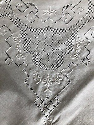 Vintage White Cotton Madeira Style Work Hand Embroidered Tablecloth & 6 Napkins