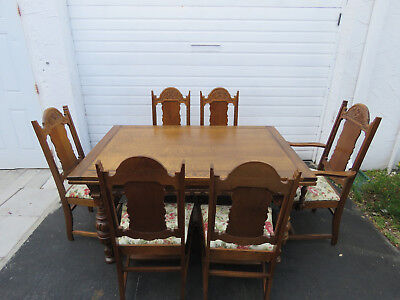Heavy Carved Tiger Oak Early 1900s Set of Dining Table and Six Chairs 8897