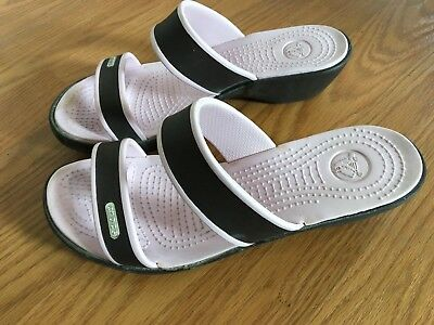 Crocs Cleo Sandals, Women's Size 7 Chocolate/Cotton Candy Very good condition