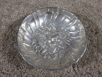 "S. Kirk & Son - Sterling Silver Repousse - 3 Footed 4 3/4"" Bowl - #430 - 120 gr"