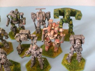 25 Warhammer Ral Partha  Metal figures Superbly painted all Around Tallest 50mm