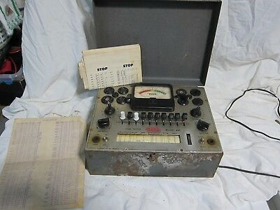 VINTAGE EICO MODEL 625 TUBE TESTER VINTAGE  powers up  w/charts