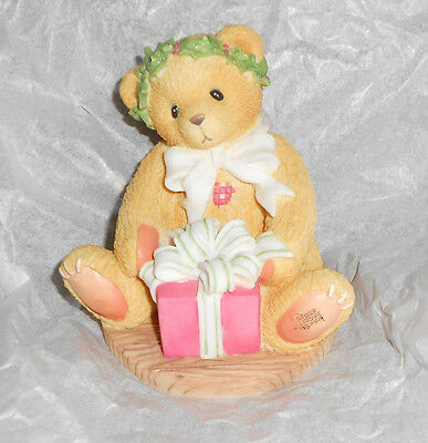 Enesco CHERISHED TEDDIES 475602 MARGY Gift Bear Christmas Present Figurine