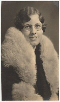 Pretty Young Lady Round Glasses Wavy Hair Wrap Old/vintage Photo-Snapshot-B3341
