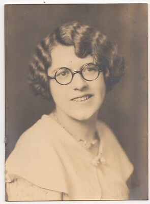 Pretty Young Lady Wavy Hair Round Glasses Old/vintage Photo-Snapshot-B2818