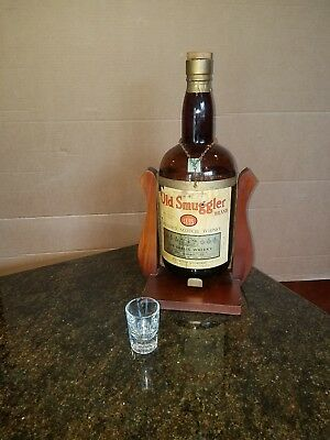 Old Smuggler Whiskey One Gallon Bottle Wood Display Pour Swing Stand Man Cave
