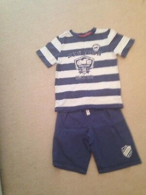 Boys Age 4-5 Shorts And T-shirt Mothercare
