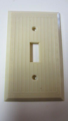 Vintage Slater Ivory Bakelite Single Toggle Ribbed & Design Switch Plate Cover