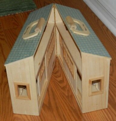 """Melissa and Doug Fold and Go Wooden Horse Barn Carry Play wood Stable 10""""H"""
