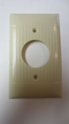 Vintage Ivory Bakelite Ribbed Sierra Electric Single Round Outlet Cover