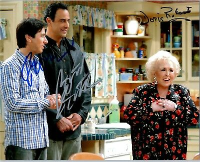 D Movies Photographs Active Everybody Loves Raymond Doris Roberts Signed Autographed 8x10 Pic