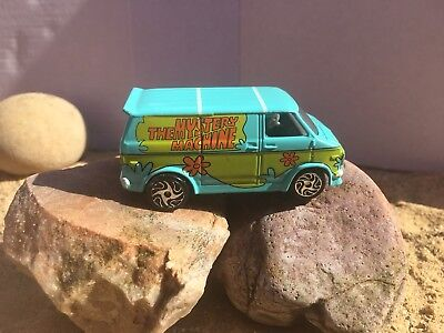 Hanna Barbera 1999 Racing Champions The Mystery Machine '75 Chevy Van Pre-owned