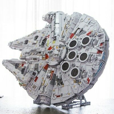 Vertical Stand UCS LEGO Millennium Falcon 75192 & 05132 | GRAY Efferman Display