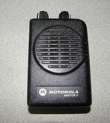 Motorola Minitor V (5) Single Channel VHF Stored Voice SV Pager 151-159 MHz