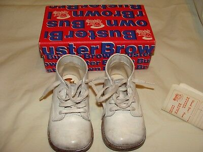 VINTAGE BUSTER BROWN LEATHER BABY SHOES with Box and receipt