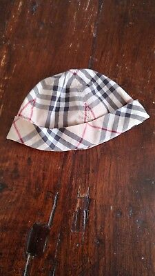 Baby Burberry hat check