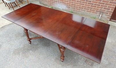 Large Victorian antique solid carved mahogany extending dining table seats 12