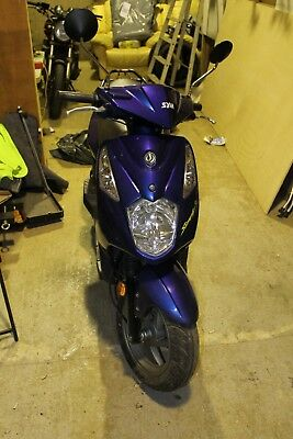 SYM Scooter 50cc moped