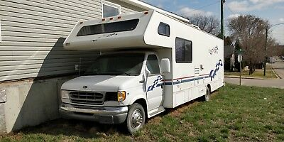 31' - Toy Hauler - Ford E450 V10 RV